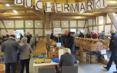Büchermarkt und Büffet in der Bötjerschen Scheune